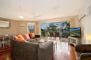 Maroochydore-Accommodation-Couples-Spa-Rooftop-3
