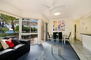 Maroochydore-Accommodation-Couples-Spa-Rooftop-2