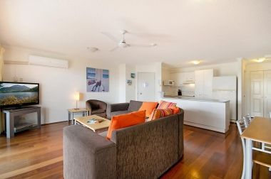 Maroochydore-Accommodation-Couples-Spa-Rooftop-4