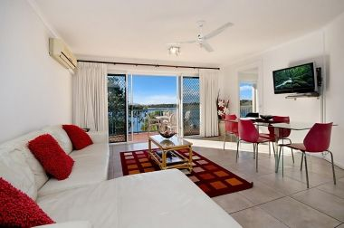Maroochydore-Accommodation-Couples-Spa-Rooftop-5