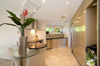 Maroochydore-Accommodation-Couples-Spa-Rooftop-8