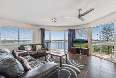 2-bedroom-spa-rooftop-maroochydore-apartments-01