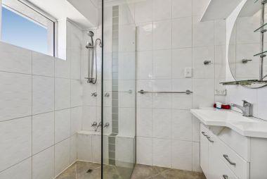 2-bedroom-spa-rooftop-maroochydore-apartments-16