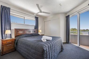 2-bedroom-spa-rooftop-maroochydore-apartments-11