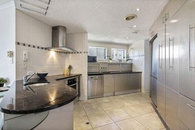 2-bedroom-spa-rooftop-maroochydore-apartments-15